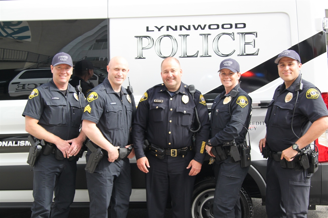 Lynnwood Custody Officers at Cops and Kids event